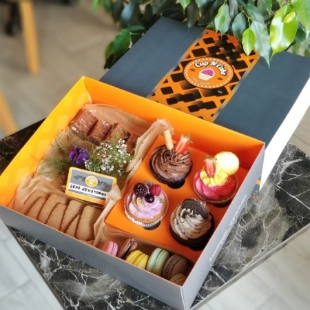 Cup N Cake Jumbo Hediye Paketi