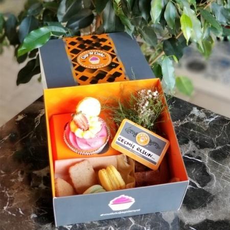Cup N Cake Mini Hediye Paketi